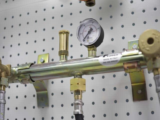 Газовая рампа в магазине ГБО