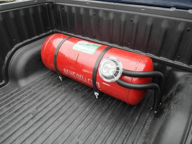 Газовый баллон, установленный в багажнике