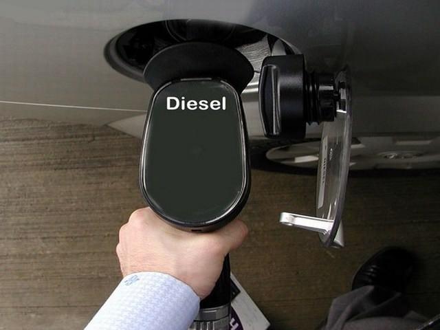 Заправка автомобиля дизельным топливом